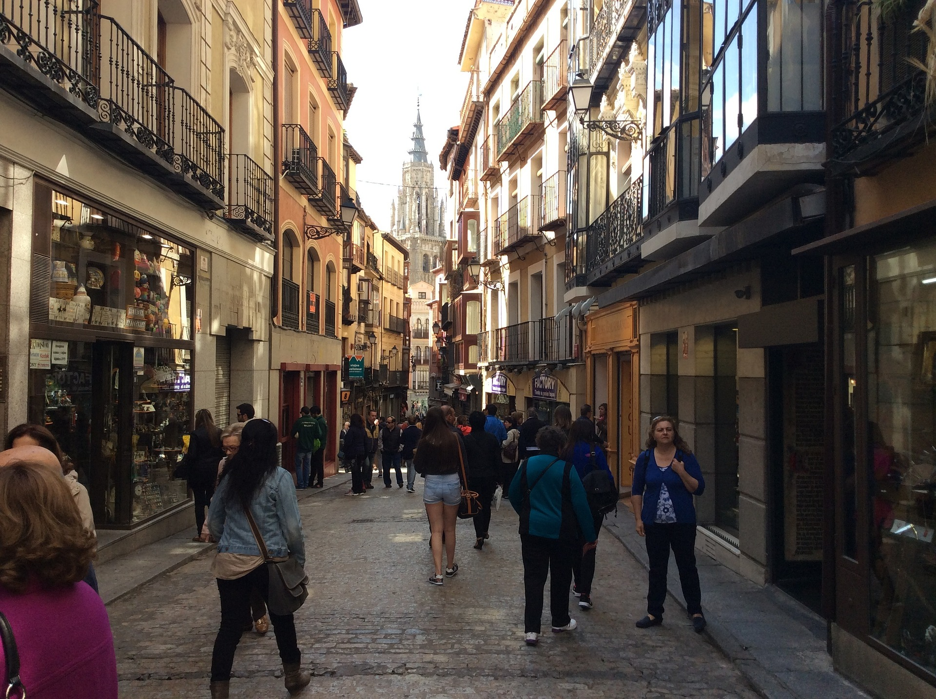 El comercio local da vida a las calles y ofrece la mejor atención al consumidor