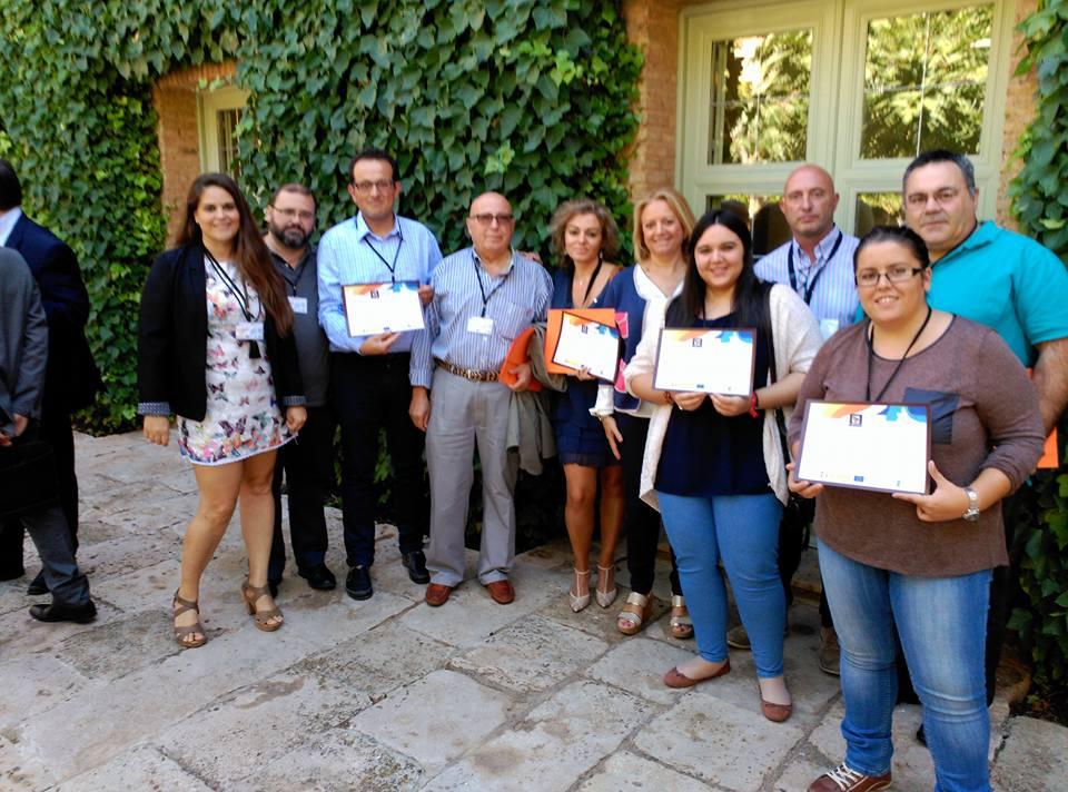 """Representantes de las empresas que forman parte de la Marca de Calidad """"Tierras de Occam"""". A la izquierda de la foto, Sonia Velázquez."""