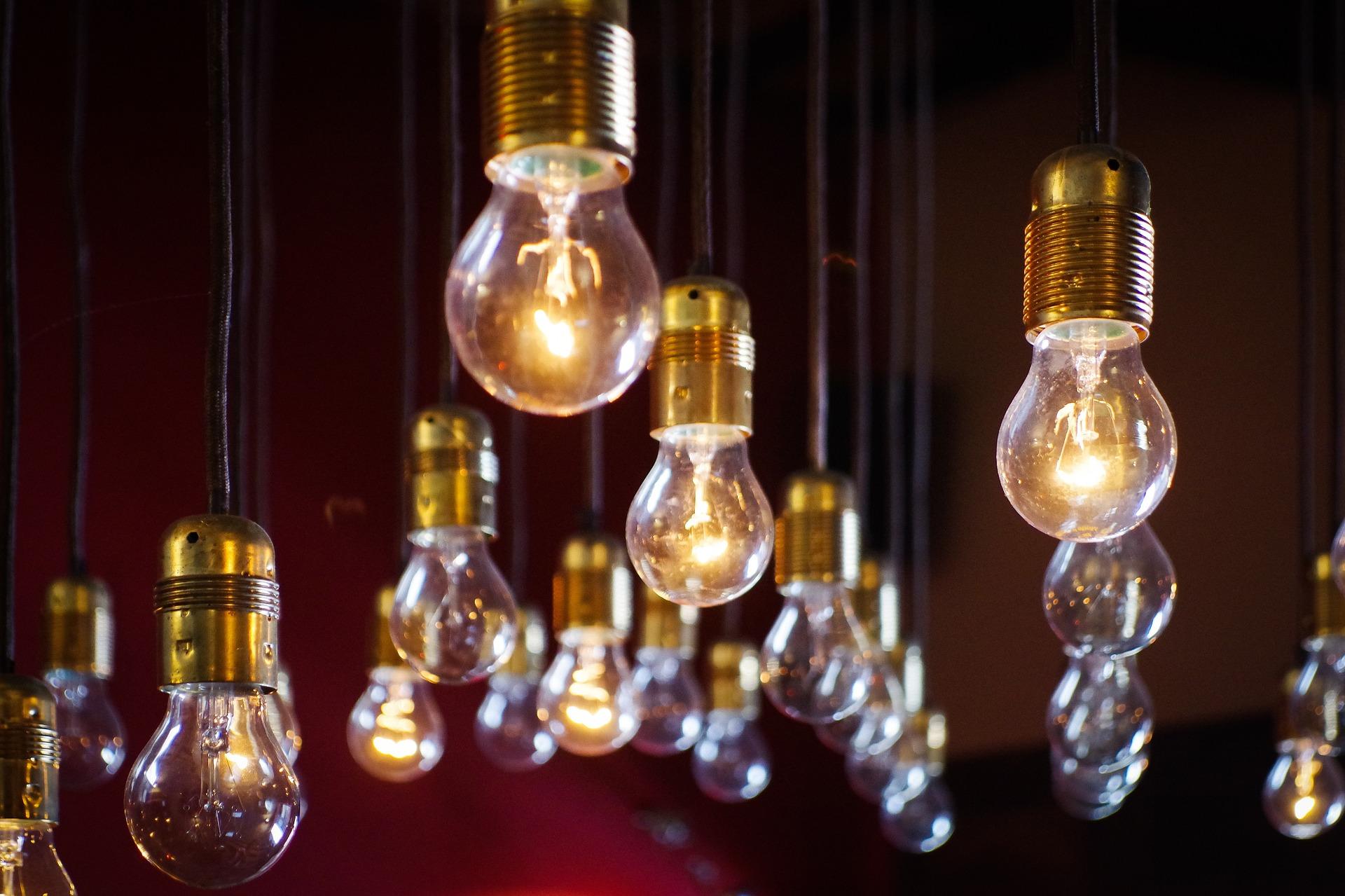 La factura de la luz tiene múltiples componentes
